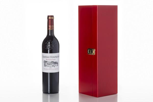 Professional Bordeaux Red Close